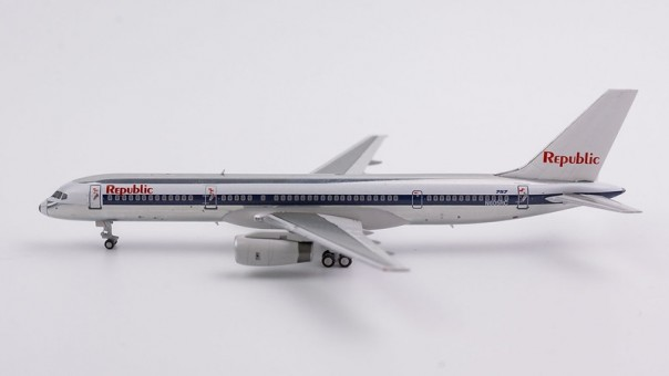 Republic Airlines 757-200 N605RC NW scheme, white tail (1:400) NG53036