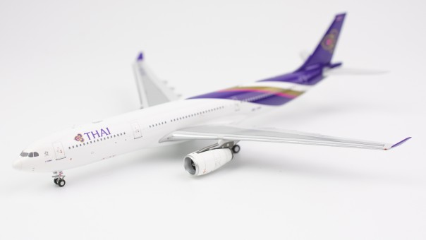Profile Thai Airways International Airbus A330-200 HS-TER NG models 62002 scale 1:400