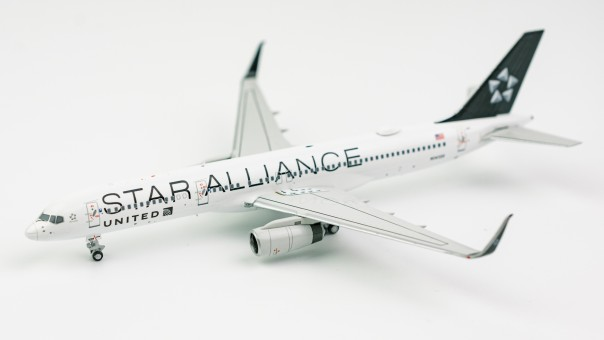 United Airlines 757-200 N14120 Star Alliance upgraded wing NG53106 Scale 1:400