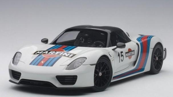 White-Martini Porsche 918 Spyder Weissach Package AUTOart 77927 1:18
