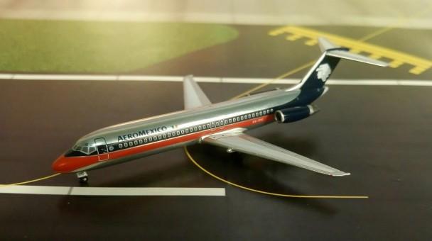 AeroMexico DC-9-32 XA-TFO Aero Classics AC419383 scale 1:400