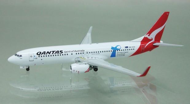 Qantas B737-838 Cancer Society  VH-VZO  A13076 1:400