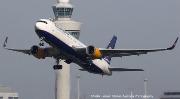 """Icelandair Boeing 767-300 TF-ISP """"Eldgjà"""" Herpa 533102 scale 1:500"""