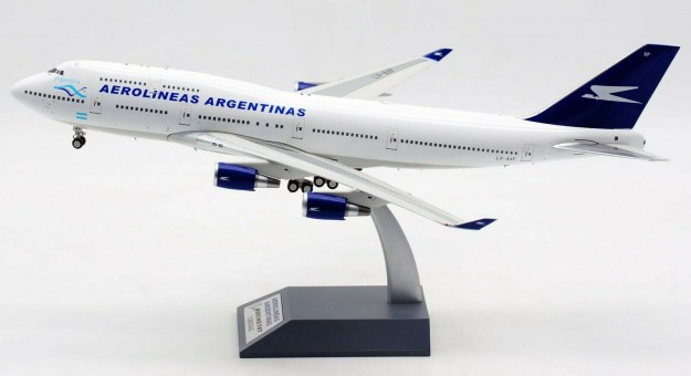 Aerolineas Argentinas Boeing 747-400 LV-AXF plus stand   Inflight IF744AR092 scale 1:200