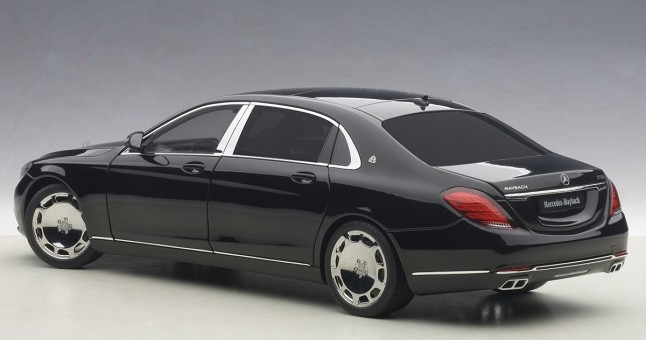 Black Maybach Mercedes S-Klasse S600 Die-Cast AUTOart 76293 Scale 1:18
