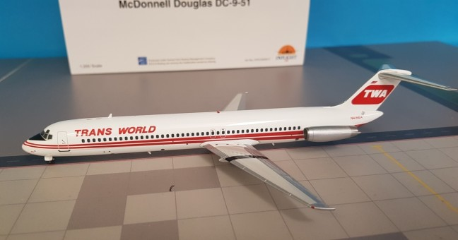 TWA Douglas DC-9-51 registration: N416EA with stand Inflight IFDC950917 scale 1:200