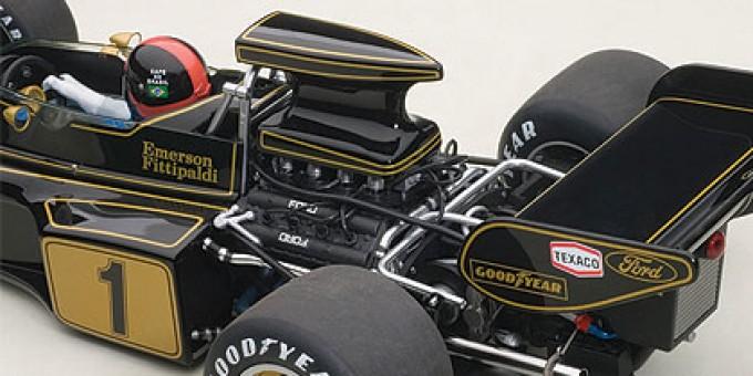 Lotus 72E 1973 Emerson Fittipladi #1 Black With Driver Figure Racing AUTOart 87328 Scale 1:18
