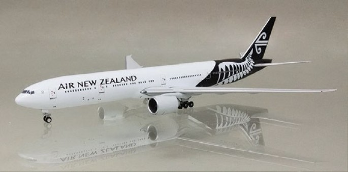 A13157 777-300 Air New Zealand ZK-OKR 1:400