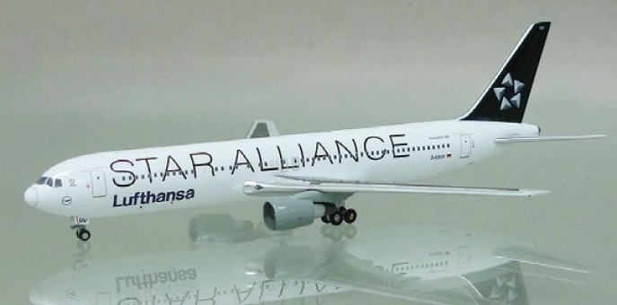 Lufthansa Star Alliance 767-3Z9/ER Reg# D-ABUV Apollo A13112 1:400