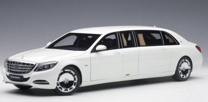 White Maybach Mercedes S600 Pullman die-cast AUTOart 76296 Scale 1:18