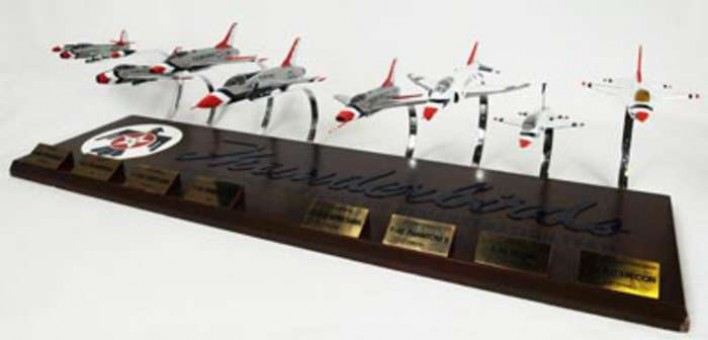 United States Air Force (USAF) Thunderbirds 8 Plane Set Executive Series B40072