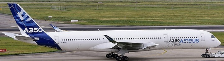 House Airbus A350 F-WXWB with stand JC2AIR938 JC Wings scale 1:200