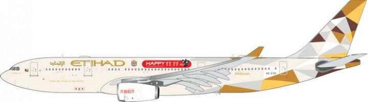 Etihad Air TMALL Airbus A330-200 Reg. A6-EYD Phoenix 11448 Scale 1:400