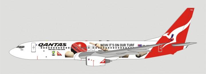 Qantas B737-838 Now it's on our turf VH-VXA A13075 1:400