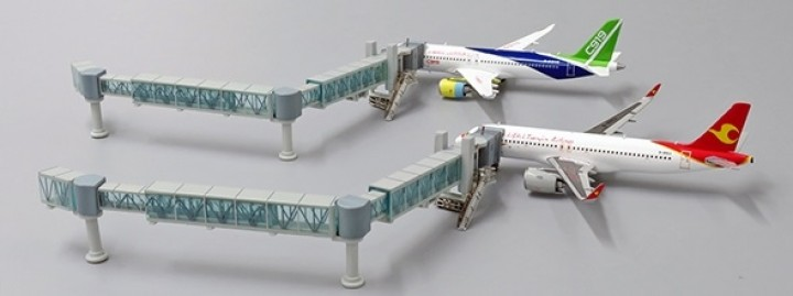 Boarding Bridge Marrow Body set with 1 JCWings LH4AIR135 scale 1:400