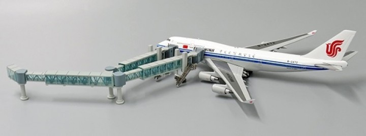 Boarding Bridge Wide Body set with 1 JCWings LH4AIR134 scale 1:400