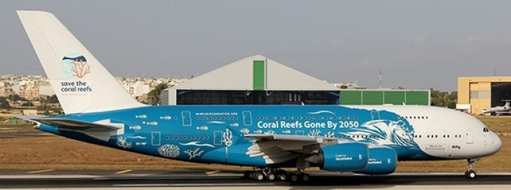"HiFly Airbus A380 9H-MIP ""Save the Coral Reefs"" JC Wings EW4388005 scale 1:400"