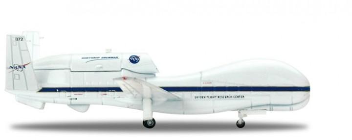 NASA Northrop Grumman RQ-4 Global Hawk Scale 1:200