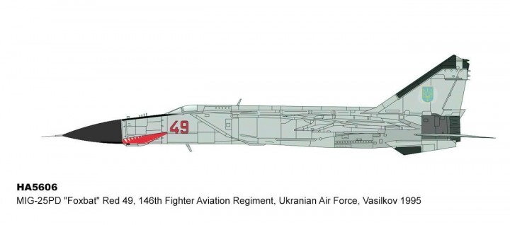Ukranian Air Force MIG-25PD Foxbat Red 49 Vasilkov AB 1985 HA5606 scale 1:72