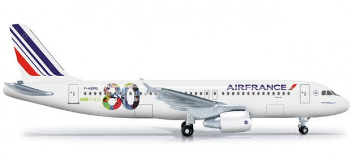 Air France Airbus A320 80th Anniversary Herpa 524674  Scale 1:500