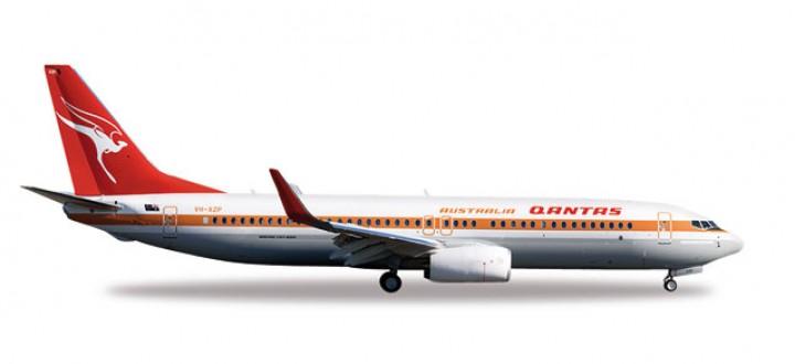 Herpa Wings Qantas 737-800 Retro Livery Reg# VH-XZP Herpa 527637 Scale 1:500