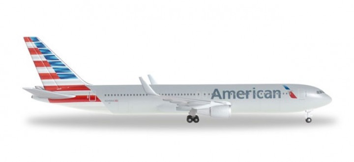American Airlines Boeing B767-300ER **New Livery**  Herpa Wings HE528276 Scale 1:500