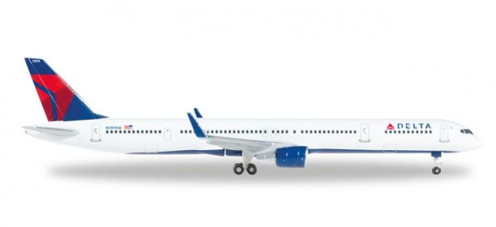 Delta Boeing 757-300 Reg# N589NW Die-Cast Herpa 528863 Scale 1:500