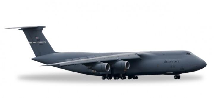 USAF Lockheed C-5A Galaxy 22nd Travis AFB Herpa Wings 529549 Scale 1:500