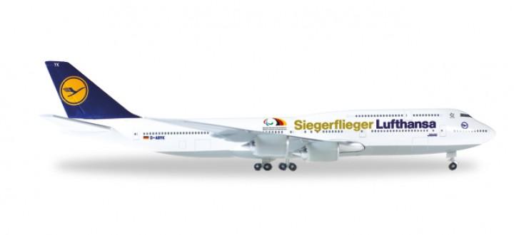 Lufthansa Siegerflieger Paralympics  Rio 2016 Boeing 747-8 Reg# D-ABYK Herpa 530033 Scale 1:500