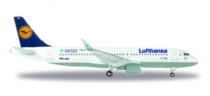 Lufthansa Airbus A320 Munich airport 25 years Sharklets Reg# D-AIUQ Metallic Herpa 530699 Scale 1:500