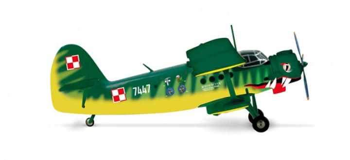 """Sale! Polish Air Force """"Der Wiener"""" 13. ELTr Antonov OZL AN-2 Herpa 553964 scale 1:200"""