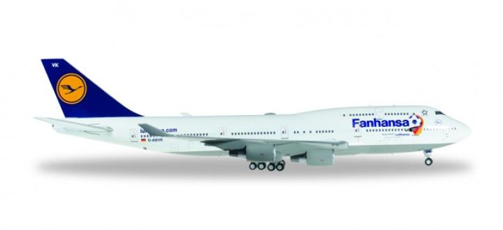 "Lufthansa Boeing 747-400 ""Fanhansa"" Reg# D-ABVK Herpa Wings HE557313 Scale 1:200"