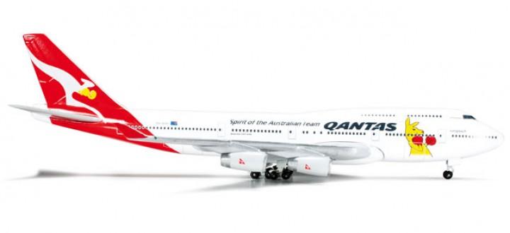 """Qantas Boeing 747-400 """"Boxing Kangaroo"""" - VH OJU"""