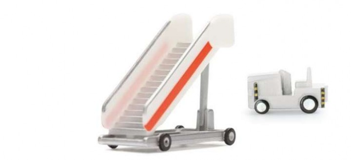 Passenger stairs with tractor 551809 Herpa Airport Accesoriess Scale 1:200