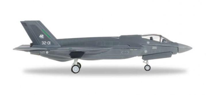 Italian Assembled F-35A Lightning II AMI Herpa 557832 1:200