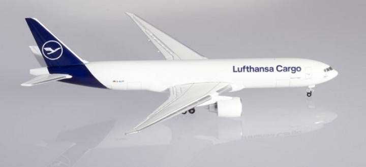 Lufthansa Cargo Boeing 777F New Livery Herpa 533188 scale 1:500