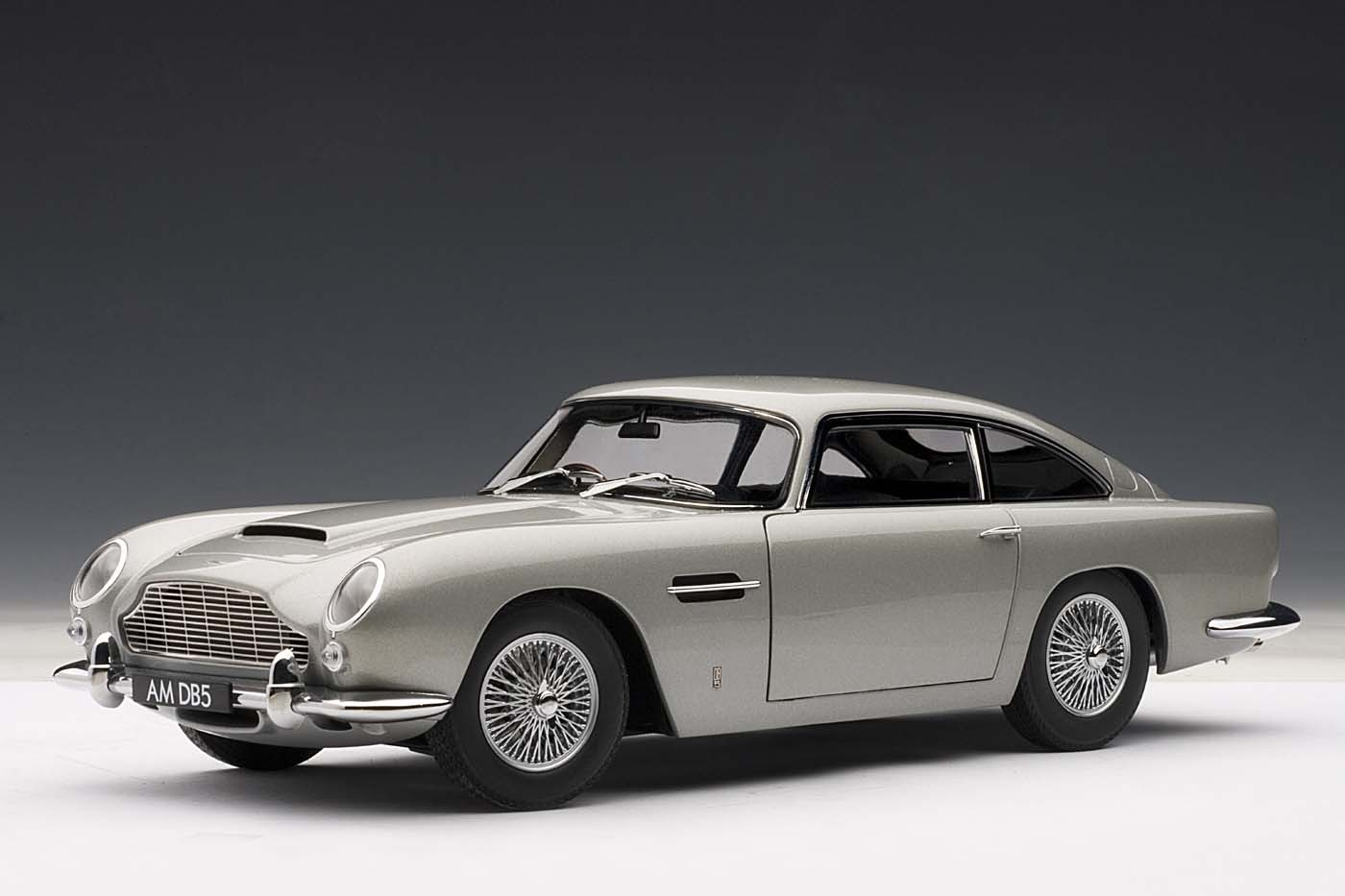 AUTOart Highly Detailed Die-cast Model Silver Aston Martin