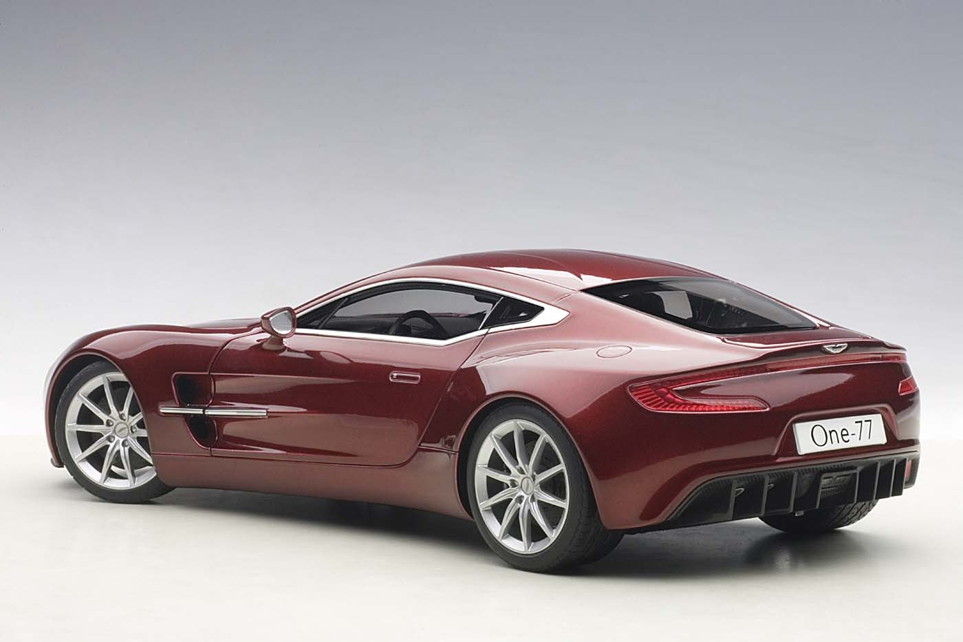 autoart die cast model red aston martin one 77 diavolo. Black Bedroom Furniture Sets. Home Design Ideas