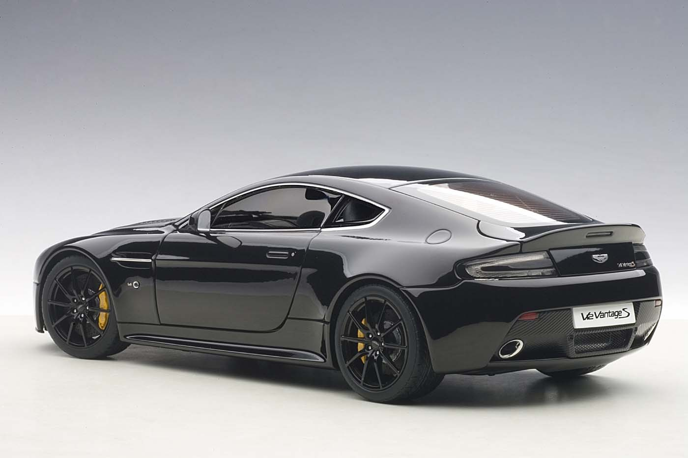 Highly Detailed Autoart Diecast Model Car Black Aston