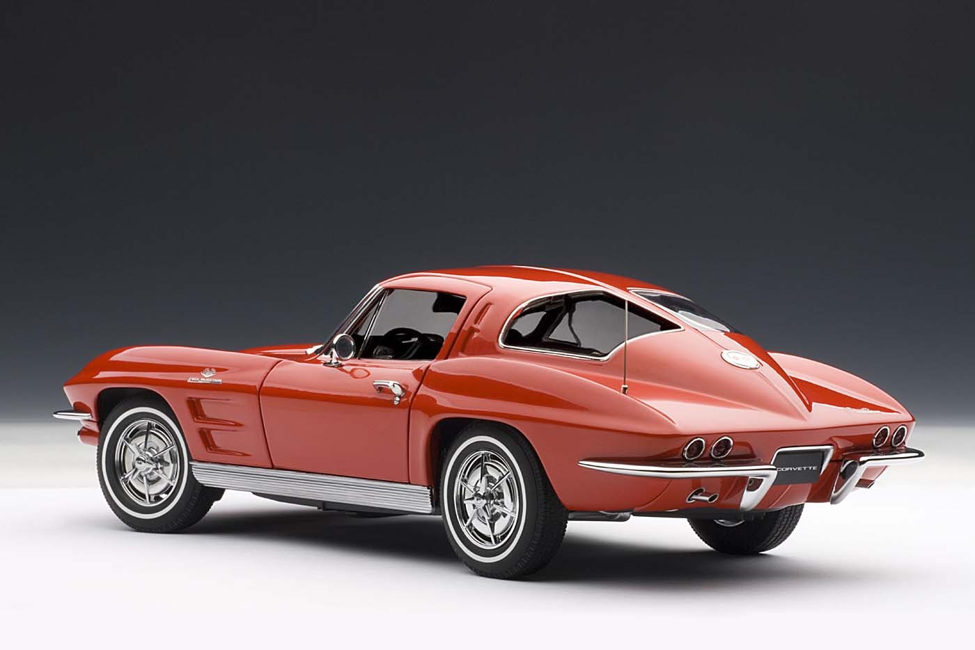 Autoart Highly Detailed Die Cast Model Red Corvette 1963