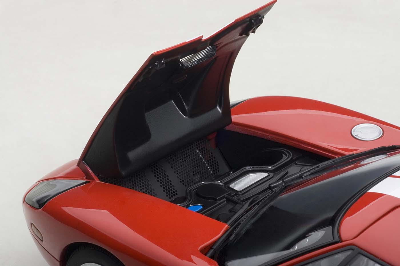 Red Ford Gt  With White Stripe  Autoart Cast Scale