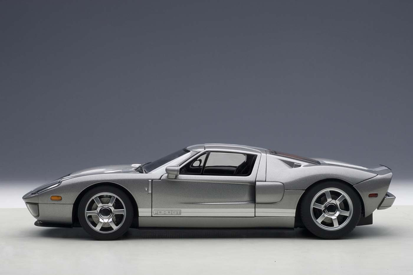 Titanium Grey Ford Gt  With Silver Stripes  Autoart Cast Scale
