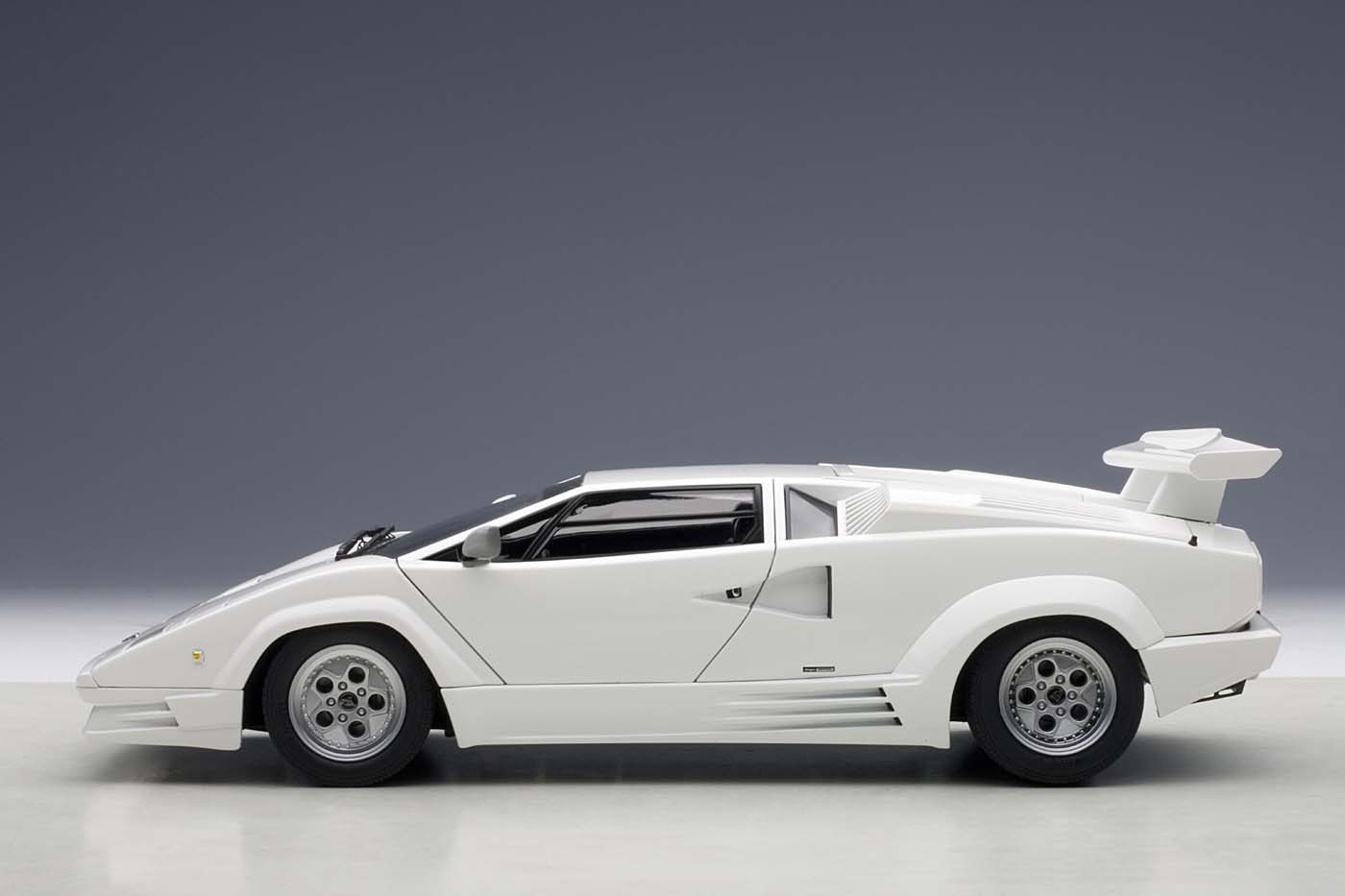 Autoart Highly Detailed Die Cast Model 25th Anniversary Lamborghini