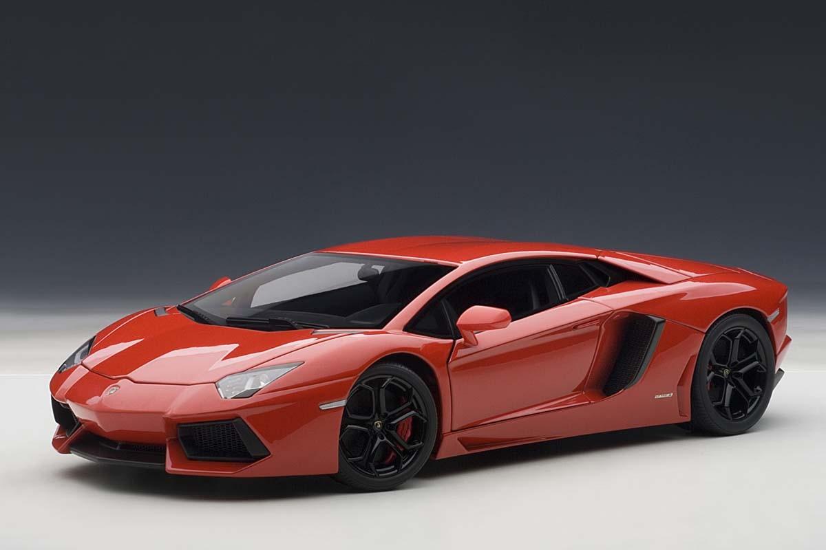 Autoart 1 18 Scale Lamborghini Aventador Lp700 4 74669 Red W Black