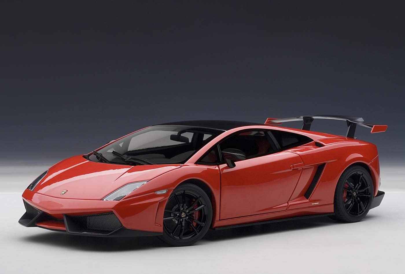 Autoart Highly Detailed Die Cast Model Red Lamborghini Gallardo