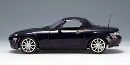 Highly Detailed Autoart Mazda Mx 5 Roadster Retractable