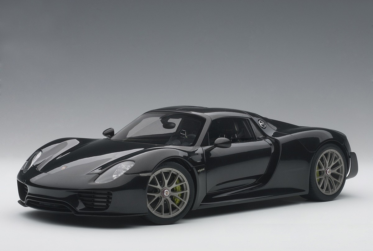 black porsche 918 spyder weissach package autoart 77928 scale 118