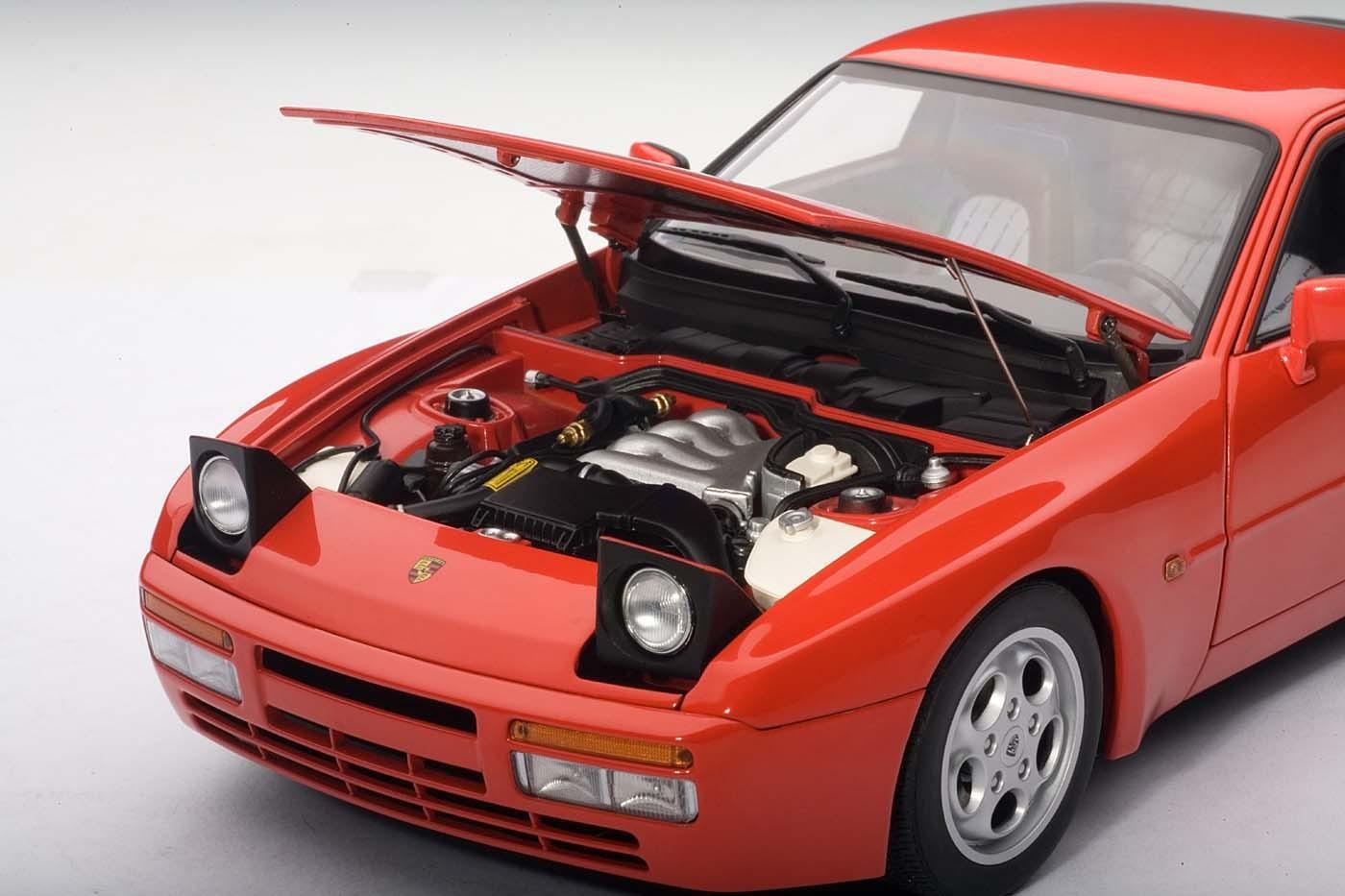Porsche 944 Turbo Coupe Weiss 1981-1991 77958 1//18 AutoArt Modell Auto mit oder