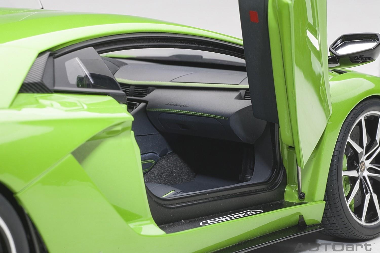 Pearl Green Lamborghini Aventador S Verde Mantis AUTOart 79133 scale 118