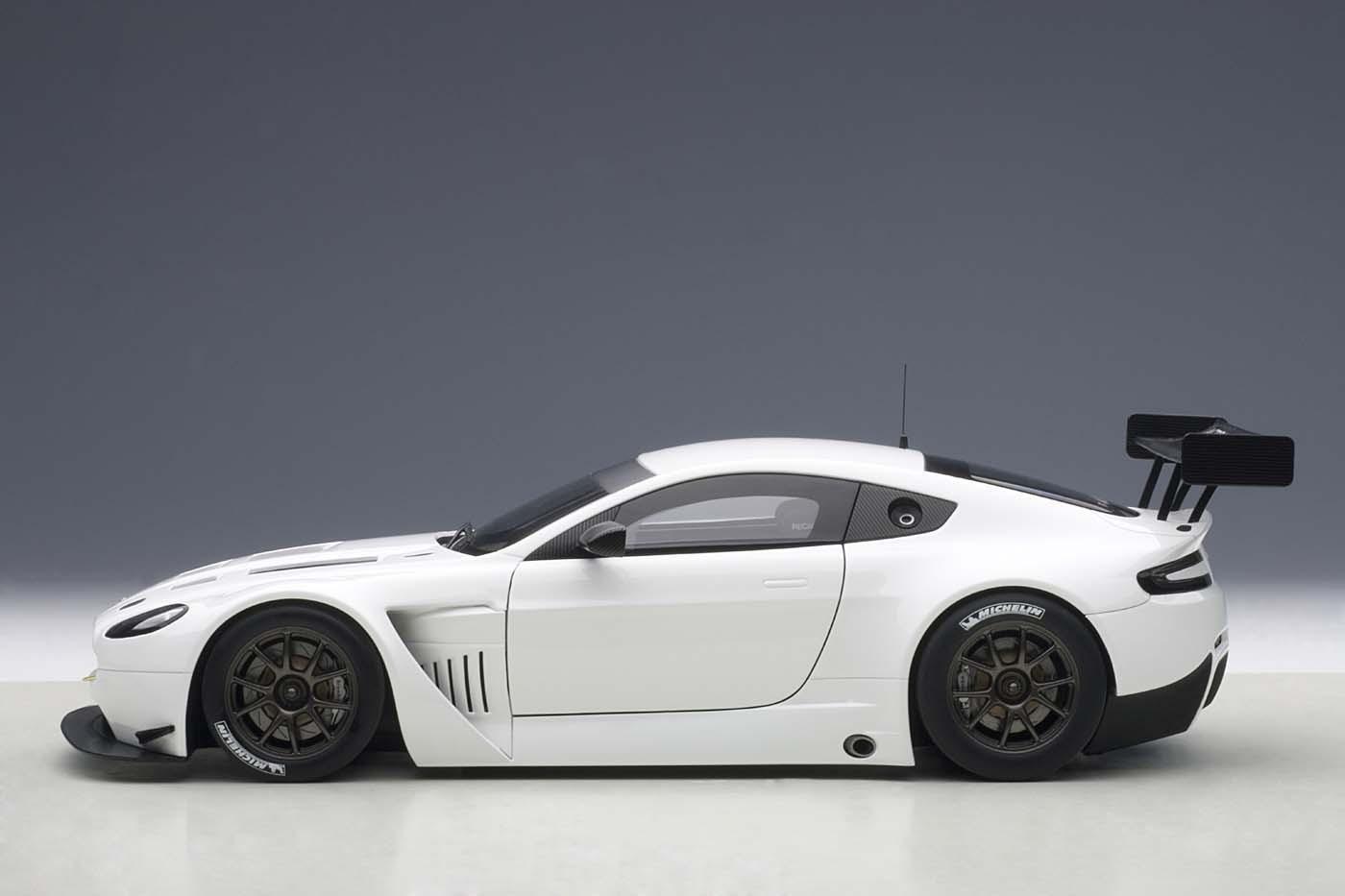 highly detailed autoart diecast model car white aston martin